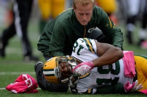 Randall Cobb injured on low hit